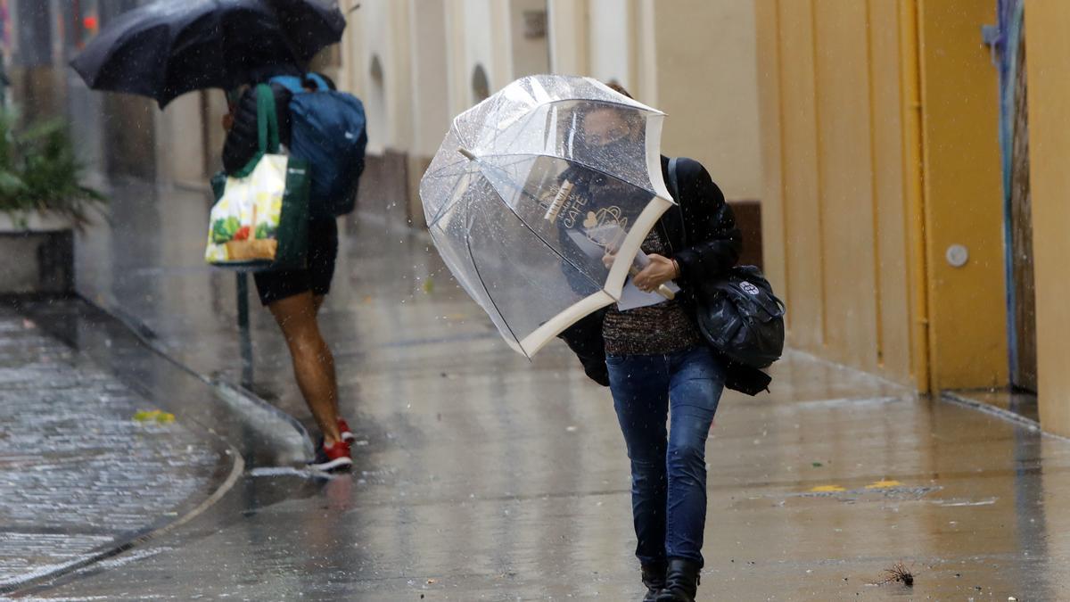 El tiempo en Semana Santa en Valencia anuncia lluvia durante varias jornadas, según la Aemet.
