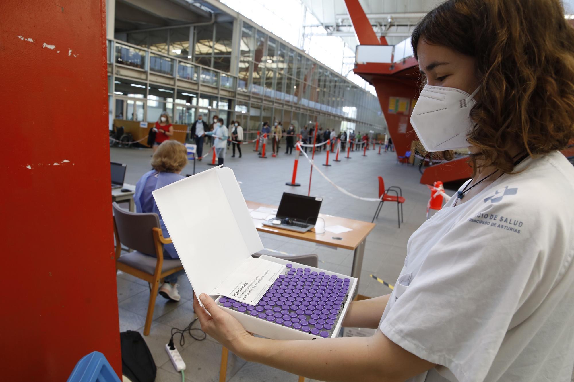 Asturias inicia en Gijón y Oviedo las vacunaciones a la población entre 50 y 59 años