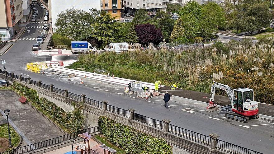 El Gobierno local ejecuta la ampliación de las aceras de la calle Francisco Mosquera