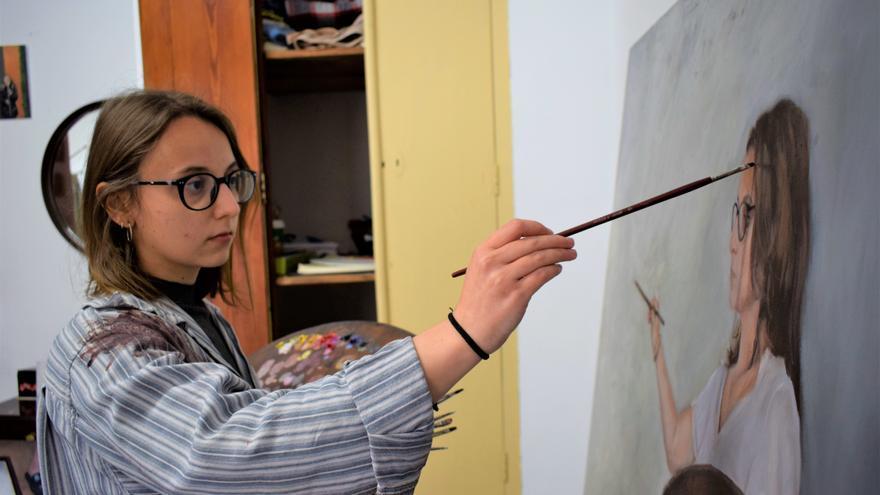 """Paula García: """"Vuelvo a pintar a la mujer para darle empoderamiento y fuerza"""""""
