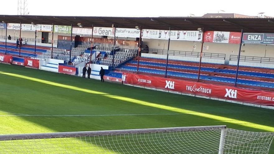 El Yeclano suspende el entrenamiento y peligra su partido en Sevilla
