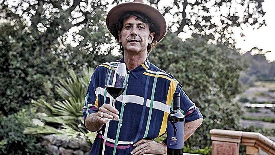 El cantautor Coti presenta en Valldemossa su nuevo vino