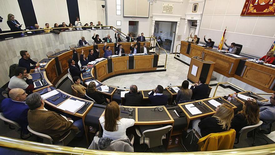 La Diputación de Valencia supera con creces a la de Alicante en transferencias a los municipios