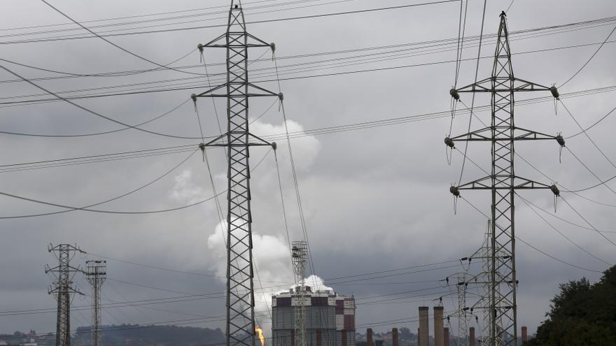 Un nuevo agujero eléctrico resta fondos para rebajar la energía a la industria asturiana