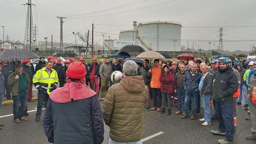 La plantilla de As Pontes rechaza el plan de recolocaciones de Endesa