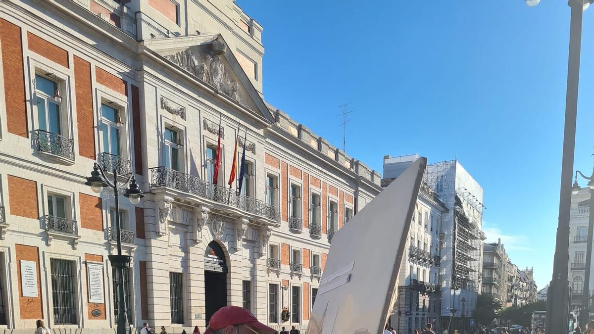 Antonio López vuelve a pintar en la Puerta del Sol.