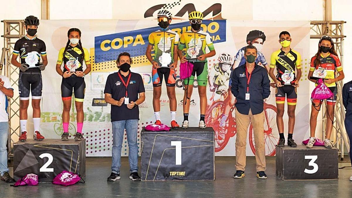 Imagen de los vencedores en el podio del Circuito de Maspalomas.     LP/DLP