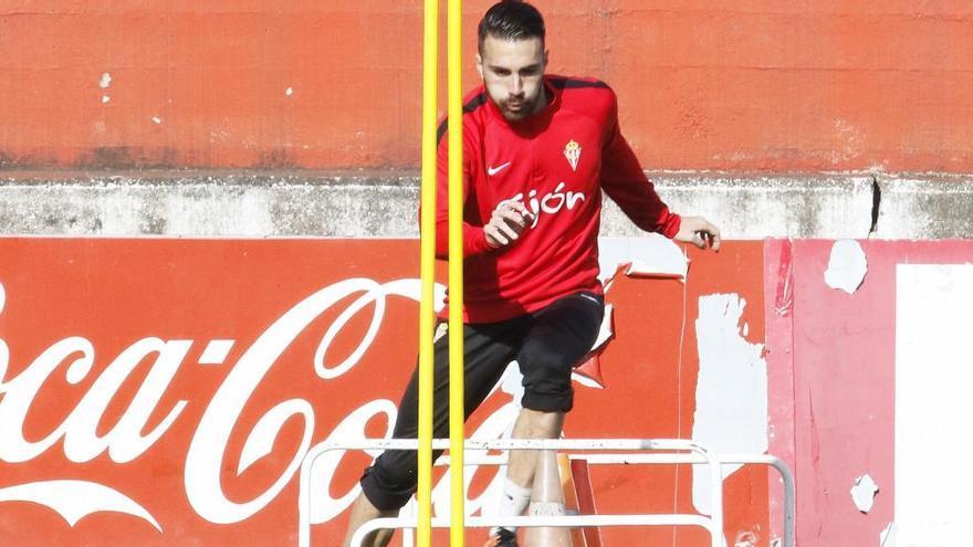 La Fiscalía pide dos años de prisión para el jugador del Sporting Xavi Torres