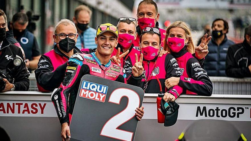 Jorge Navarro roza la pole, y Rossi dice hoy adiós a los tifosi