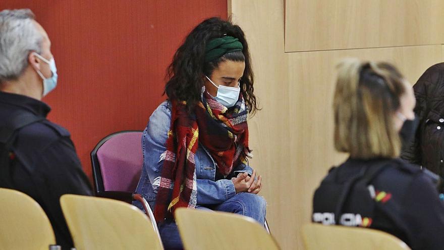 """La madre del bebé de Nuevo Roces: una joven """"consciente y sin remordimientos"""" a la espera del veredicto"""