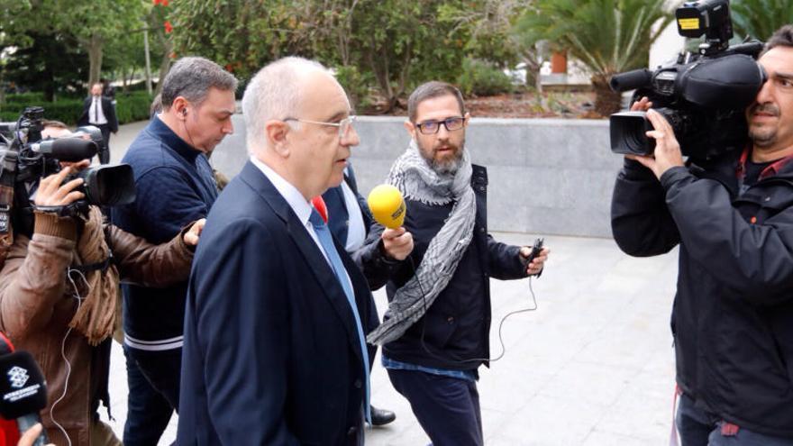 El tribunal suspende el juicio del caso Blasco para intentar alcanzar una conformidad