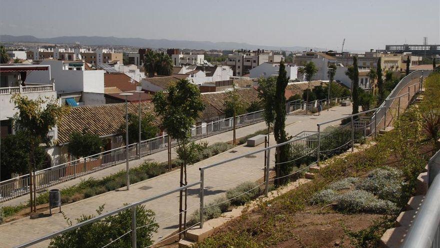 Las AAVV Puente Romano y Guadalquivir rechazan la inversión de los remanentes en aparcamientos y un área infantil