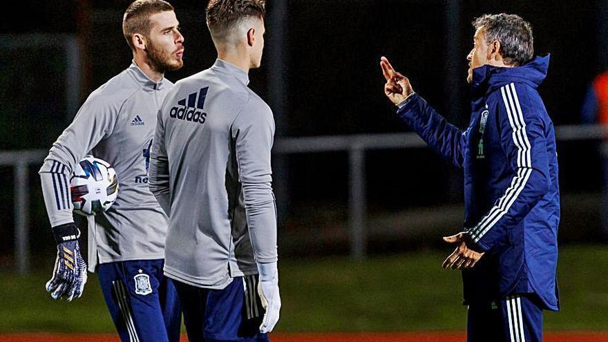 """De Boer: """"Cillessen tiene una lesión seria"""""""