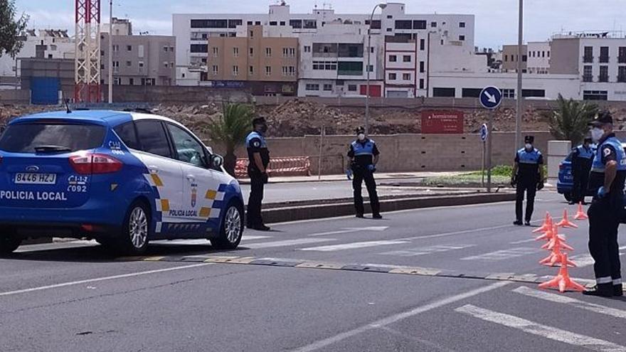 """Un control de velocidad de la Policía Local """"caza"""" a un conductor a 111km/h en la Rambla Medular de Arrecife"""