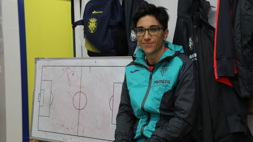 Así ve Sara Monforte, la entrenadora del Villarreal, la evolución del fútbol femenino