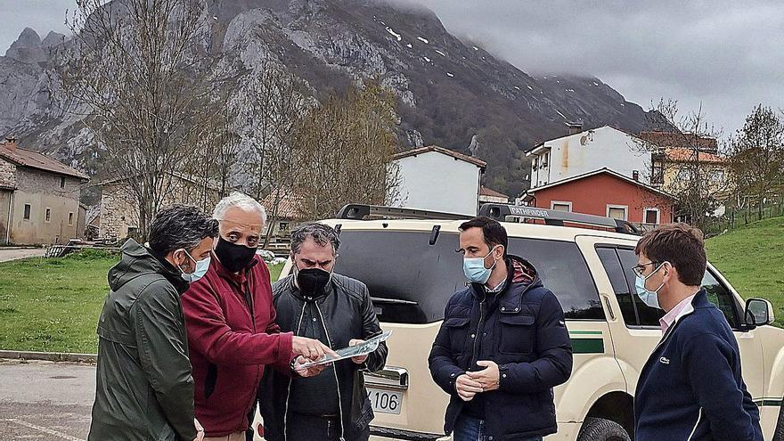El Principado reforzará el personal turístico para la zona de los Picos en épocas de gran afluencia