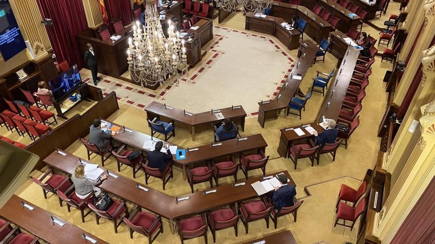 La falta de acuerdo impide que los diputados de Balears se bajen el sueldo