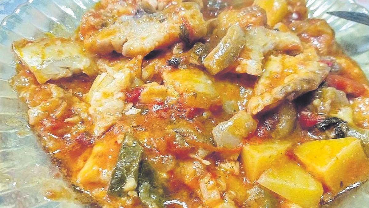 Les bogues a la portuguesa es cuinen de manera similar,  si bé porten patates i pebrot