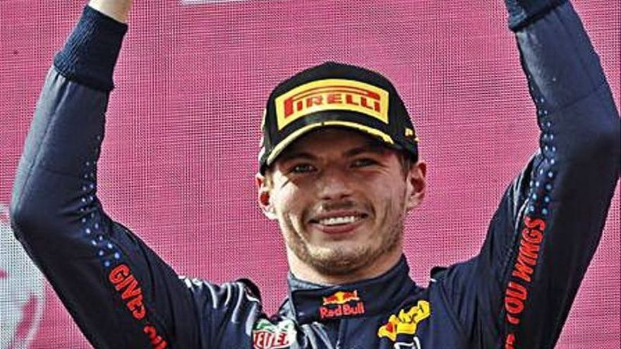 Verstappen logra su tercera victoria seguida y se afianza al frente del Mundial