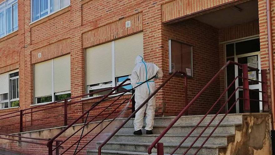 El Ayuntamiento de Toro critica la escasa aportación de la Junta a la limpieza de los colegios