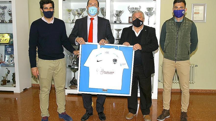 La Federación Gallega de Fútbol rinde homenaje al Colegio Las Acacias-Montecastelo
