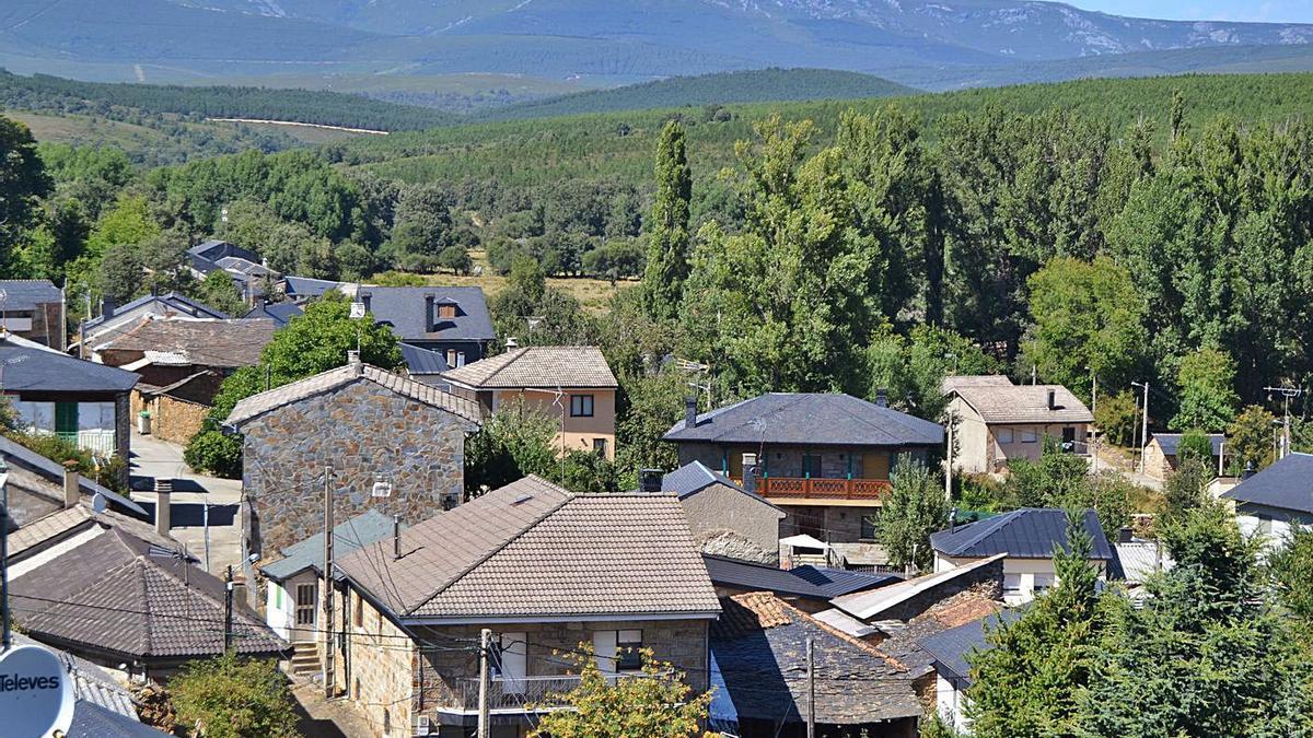 Calles y casas de Rioconejos. | A. Saavedra