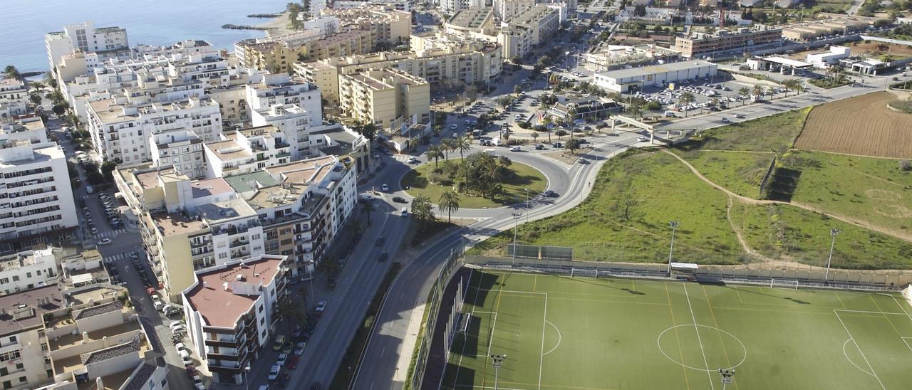 Vista parcial de Vila con Can Cantó, la rotonda de la avenida de España y parte de ses Figueretes.
