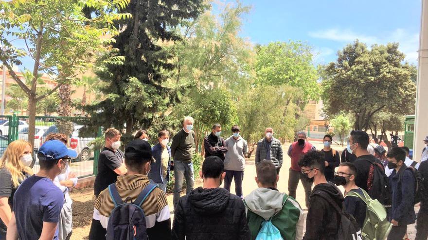 El alumnado con diversidad funcional del Canastell concluye sus prácticas en el Parque Adolfo Suárez
