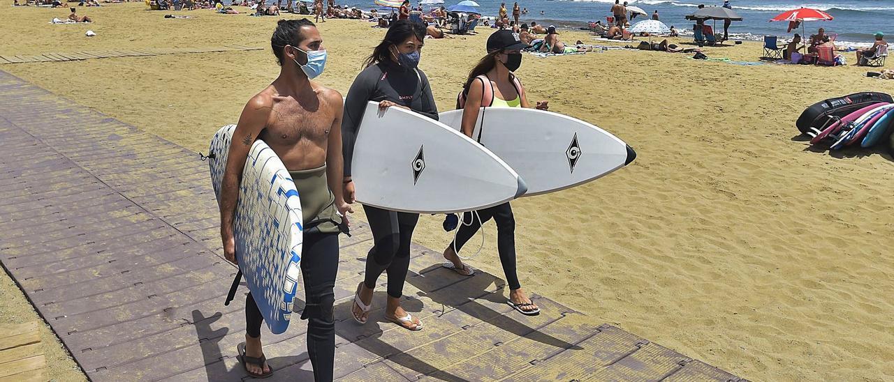 Canarias apenas logra una de cada  10 reservas de vacaciones en España