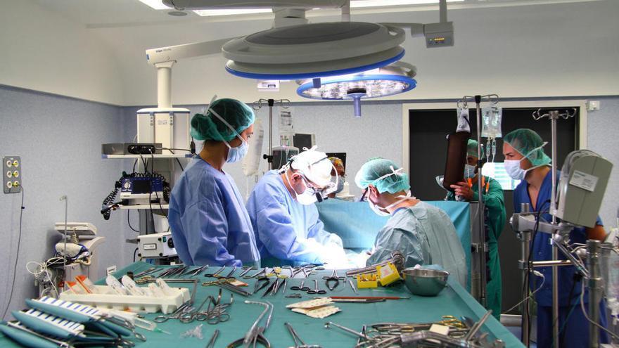 Listas de espera: 12.000 pacientes aguardan operación y 44.000 cita con el médico