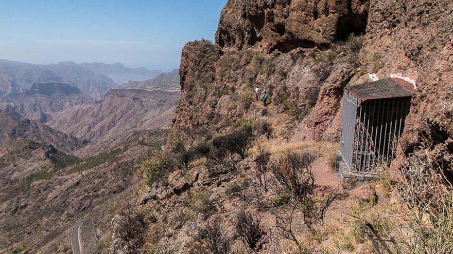 Un paseo por la Cueva de Los Candiles, en Artenara