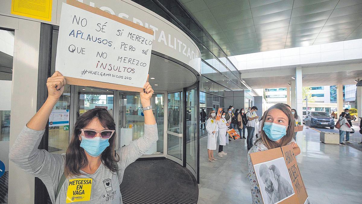 Una imagen de la huelga de médicos que los facultativos de las islas protagonizaron el pasado martes.
