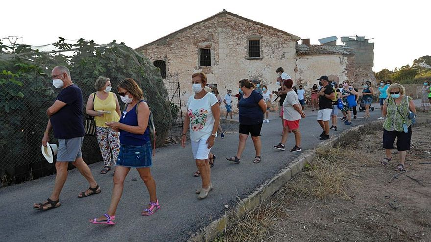Una ruta guiada redescubre el patrimonio feudal de Petrés