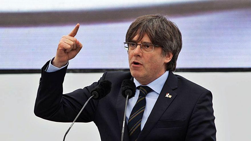 El Constitucional rebutja suspendre l'ordre d'arrest de Carles Puigdemont