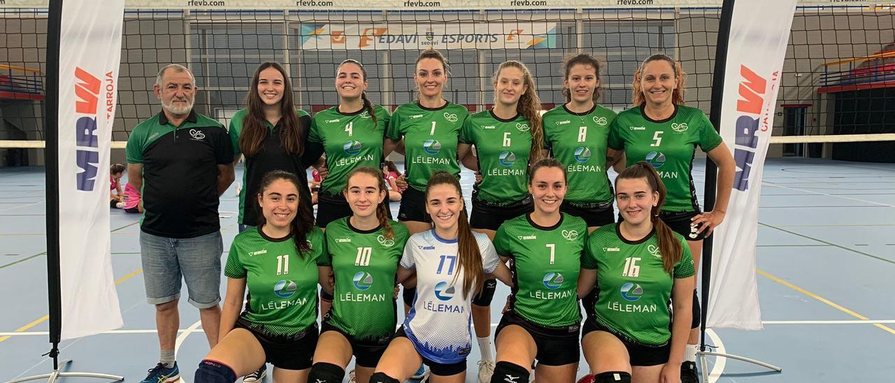 El equipo de voleibol femenino de Sedavó.