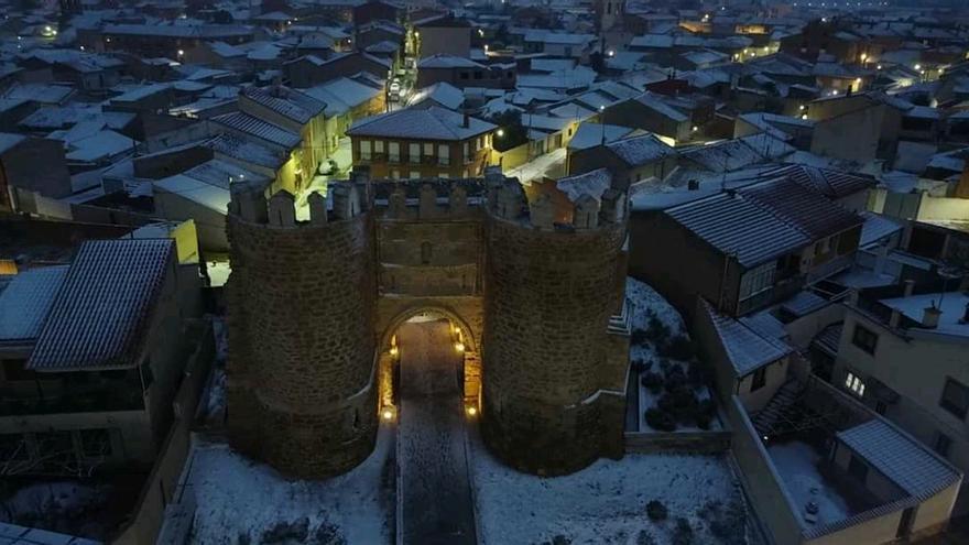 Temporal Filomena en Zamora | La nieve dibuja esta postal de Villalpando