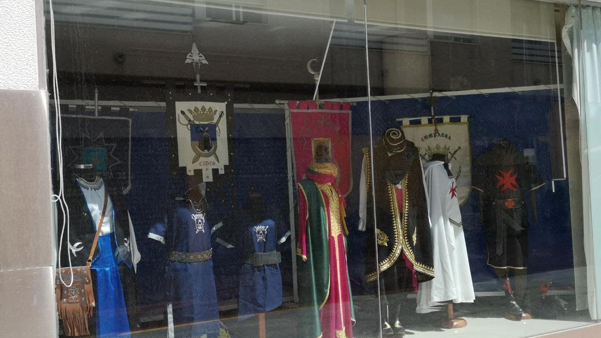 Exposición de trajes en Sedaví