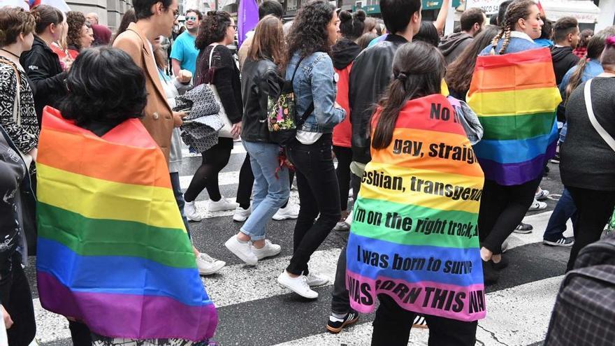 Banderas arcoíris por los derechos LGTBI en A Coruña