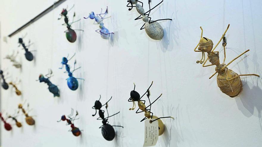 Las hormigas de la muestra 'Treballadores' salen a la calle en Vila