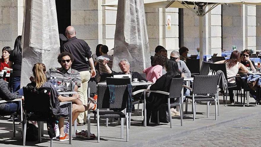Girona inicia el procés per renovar l'ordenança que regula les terrasses