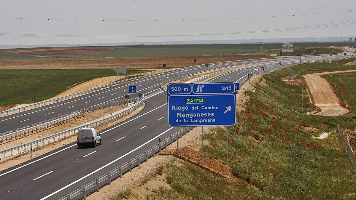 Autovía A-66 en el tramo entre Zamora y Benavente.