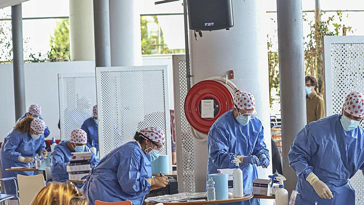 Pruebas masivas de antígenos al profesorado en Torrevieja este curso.