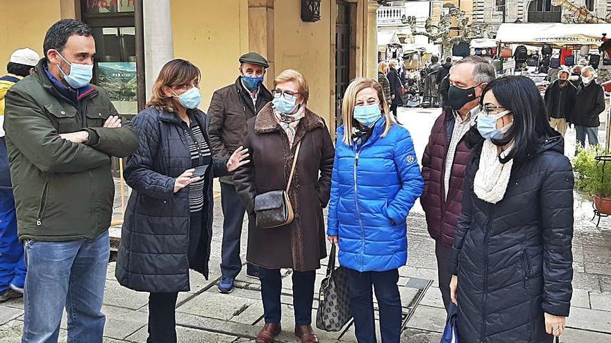 El PSOE reclama ayuda municipal para renovar las redes de gas de la plaza del Fontán