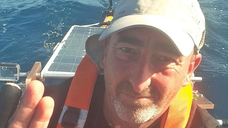 Marcelo Ymbern emprende la vuelta a las Baleares en kayak solar