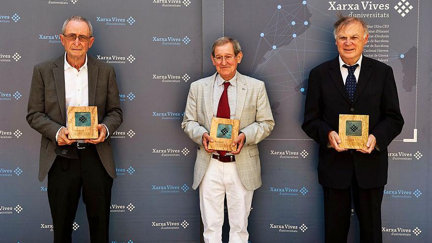 Prat, Solà i Lapiedra reben la Medalla d'Honor 2021 de la Xarxa Vives d'Universitats