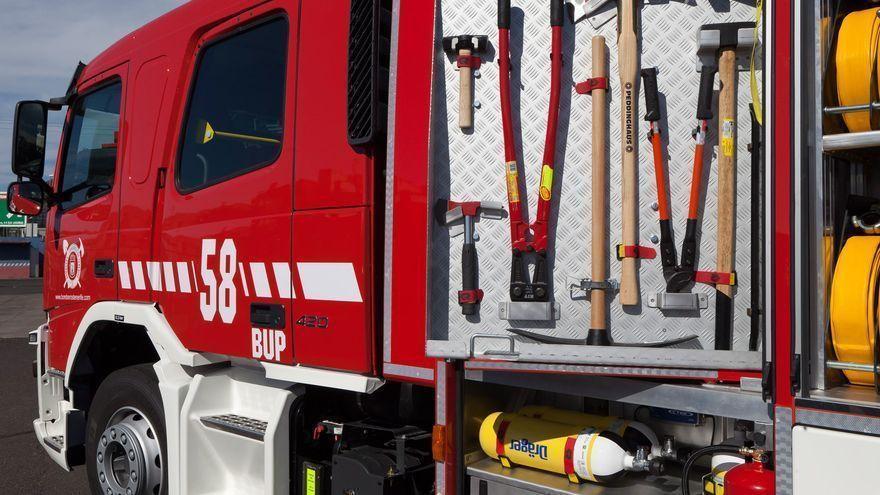 Un herido en el incendio de una vivienda en Arona