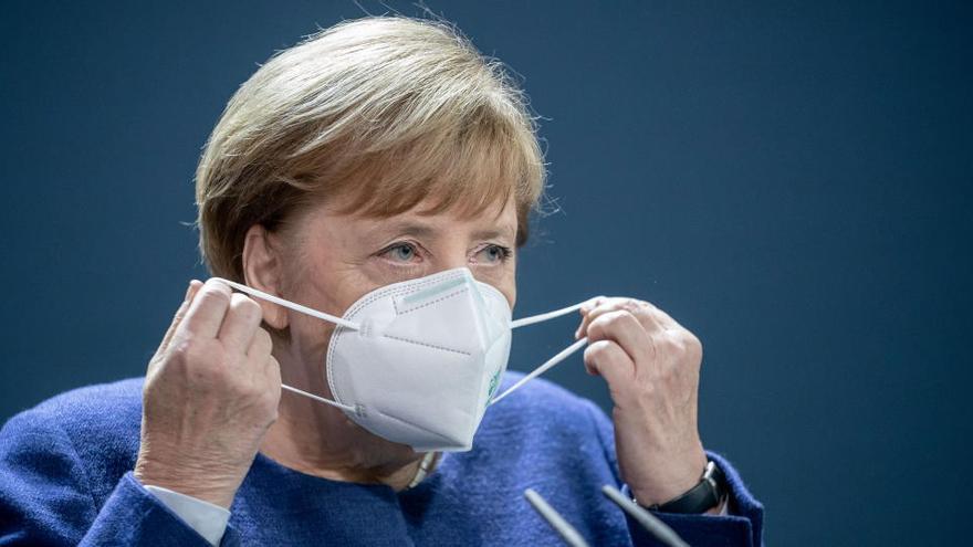 Merkel pide a Biden cooperar con la UE en la pandemia y el cambio climático