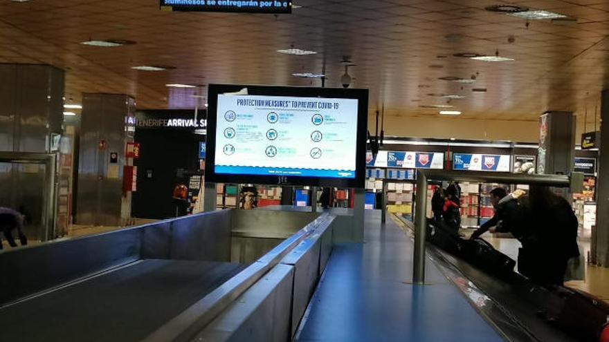 Tenerife refuerza la información sobre medidas anticovid en los aeropuertos