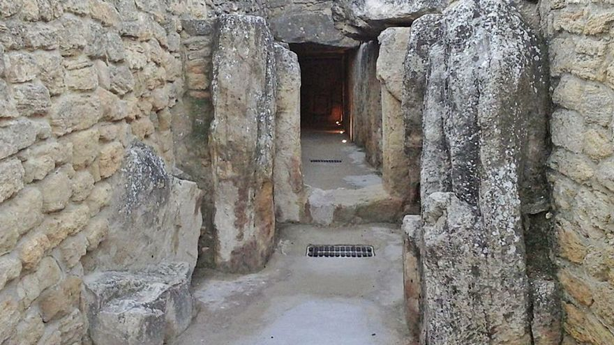 """Alertan de los daños en los dólmenes por """"criterios inadecuados"""" desde 1840"""
