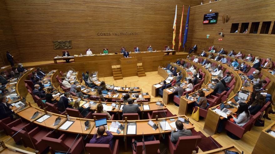 La jornada laboral de 32 horas separa al Botànic y a la oposición en Las Cortes